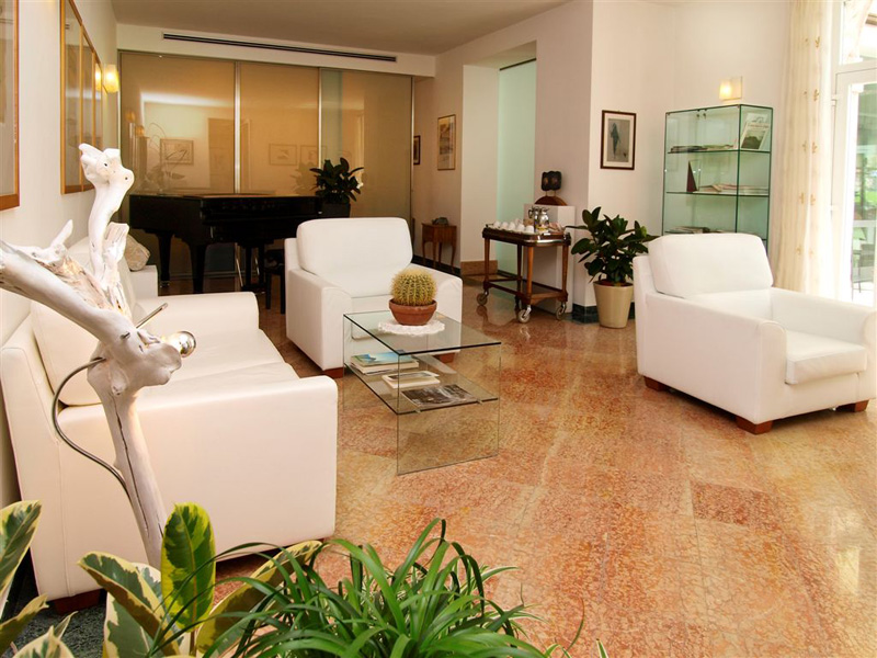 bellevue san lorenzo wellness hotel in malcesine aan het gardameer. Black Bedroom Furniture Sets. Home Design Ideas