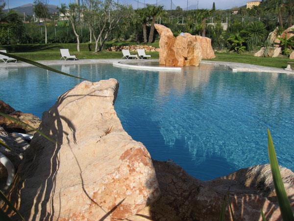 Color hotel style design in bardolino aan het gardameer - Romantische kameratmosfeer ...