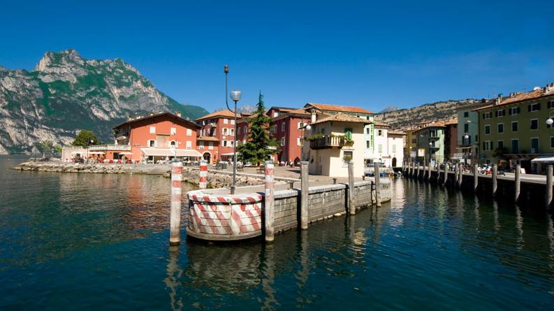 Torbole Nago Aan Het Gardameer In Itali 235